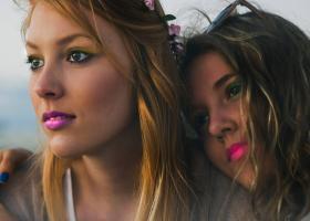 Ce farduri se potrivesc culorii pielii și ochilor tăi