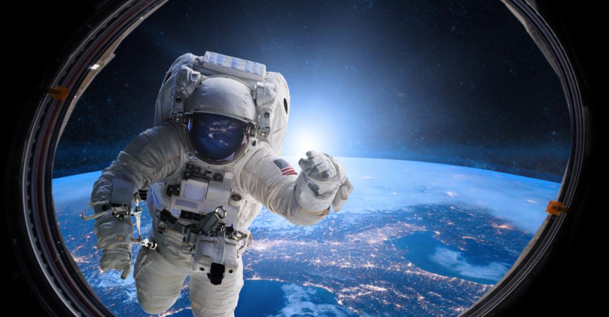 8 lecții de viață de la cosmonauți: Fiecare experiență pe care o trăim ne șlefuiește percepția asupra realității