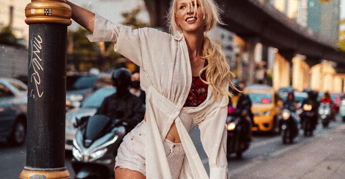 Cămașa lungă în stil bluzon este piesă-cheie: vezi cum o porți și în funcție de siluetă