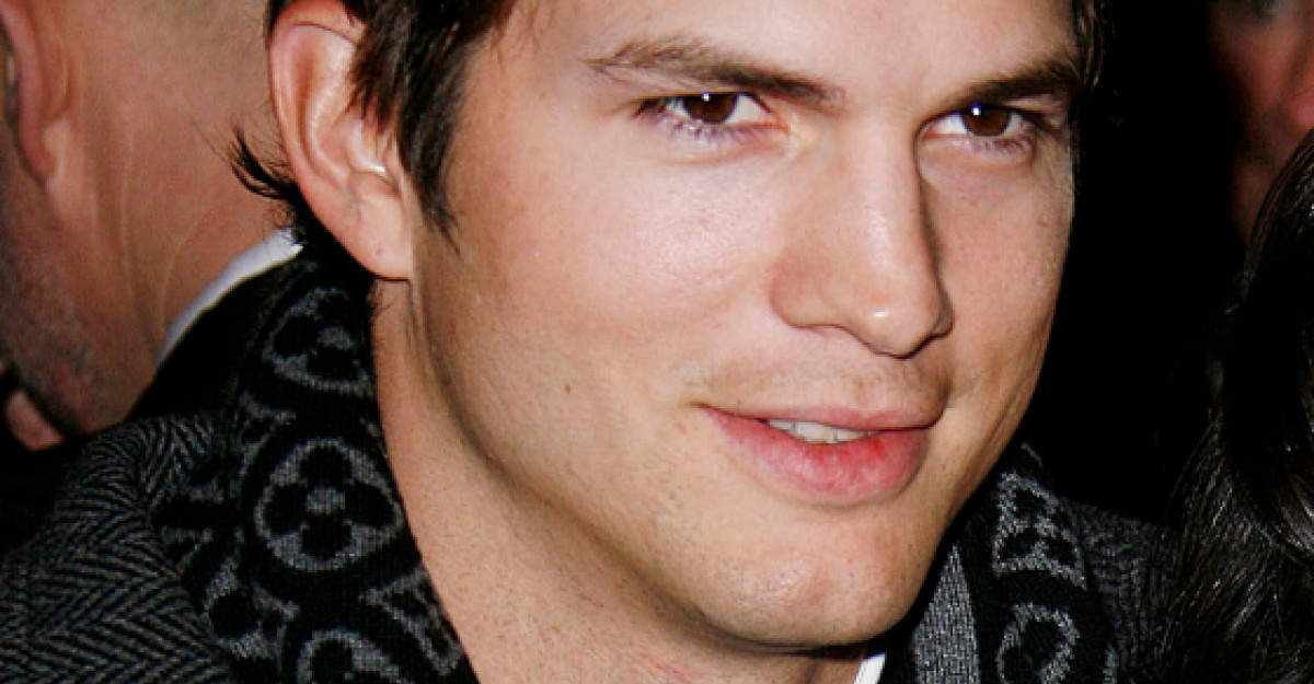 Video incredibil: Ashton Kutcher, surprins in bratele unei alte femei