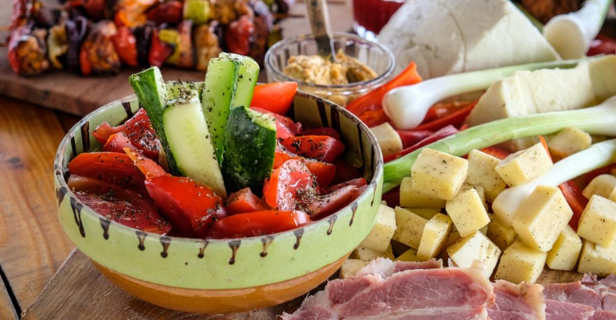 Dieta românească face minuni! Mănânci ieftin, sănătos şi slăbeşti rapid