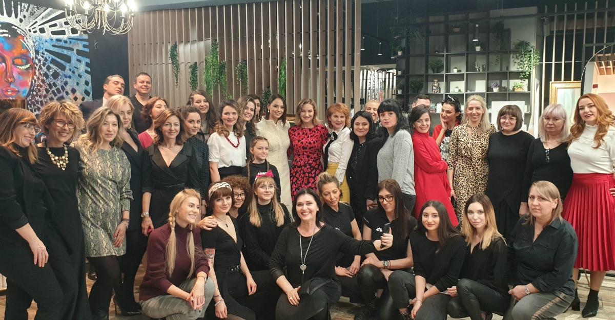 Andreea Marin și Melania Medeleanu au participat la a doua ediție a Comunității FashionUP!