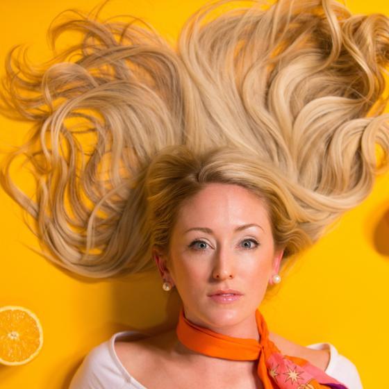 Măști naturale pentru un păr mătăsos: de la rețete DYI la tratamente eficiente
