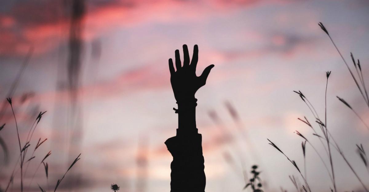 4 Moduri de a te elibera de gândurile negative și de a trăi așa cum îți dorești