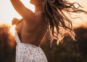 Rochii cu detalii de lenjerie intimă, sexy pentru femei curajoase
