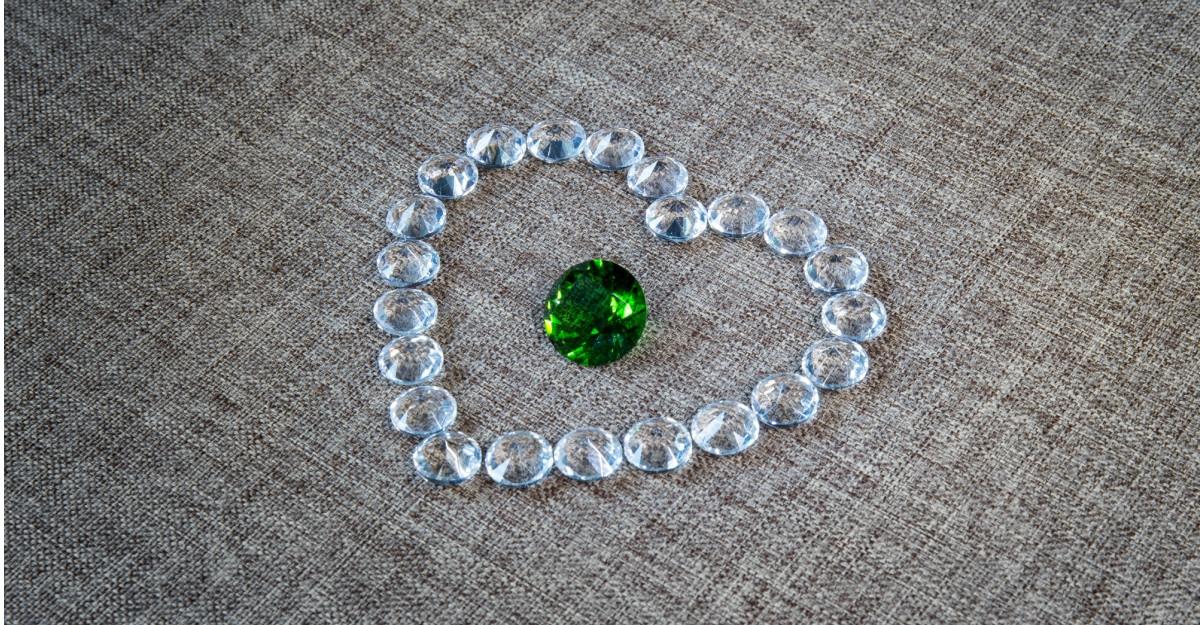 Bijuterii cu pietre ca smaraldul, pe care ti le vei dori instant!