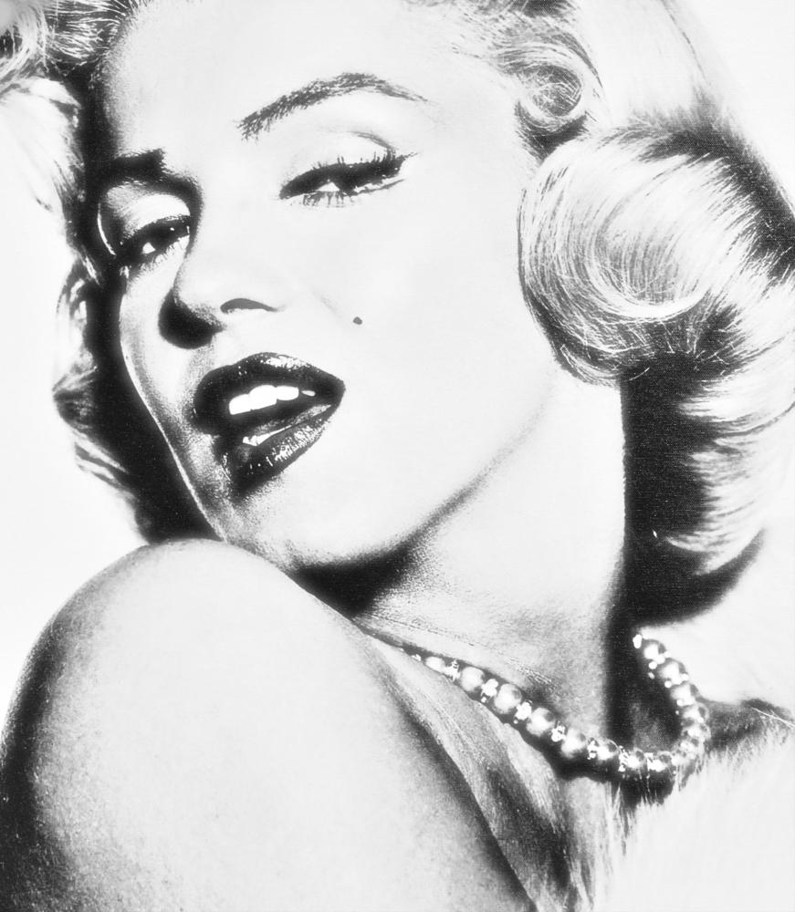 Marilyn Monroe - Totul se intampla cu un scop