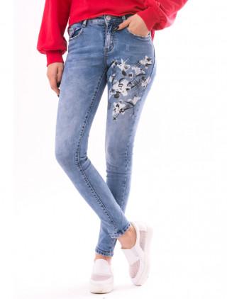 Blugi de dama cu broderie florala din jeans albastru deschis