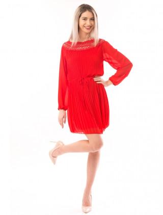 Rochie rosie plisata din voal cu maneci lungi usor bufante