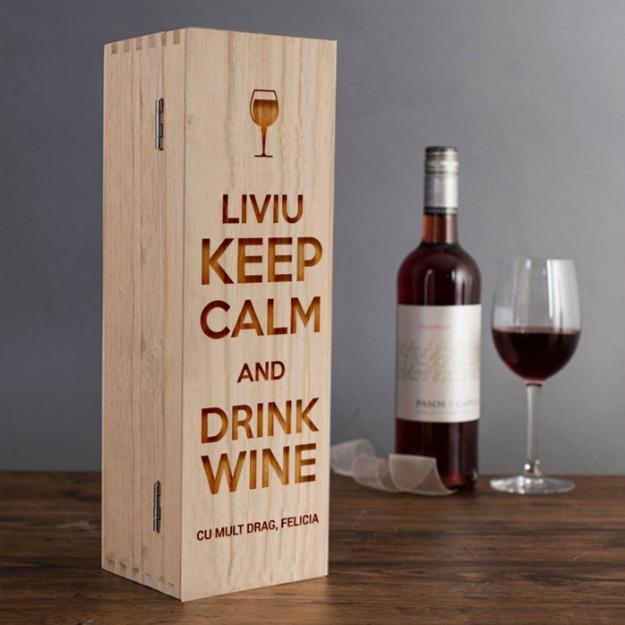 Cadouri de Paste pentru iubit: cutie de vin personalizata