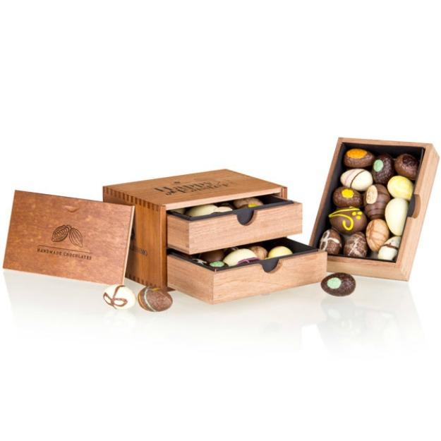 Cadouri de Paste pentru iubita: cutie cu oua de ciocolata