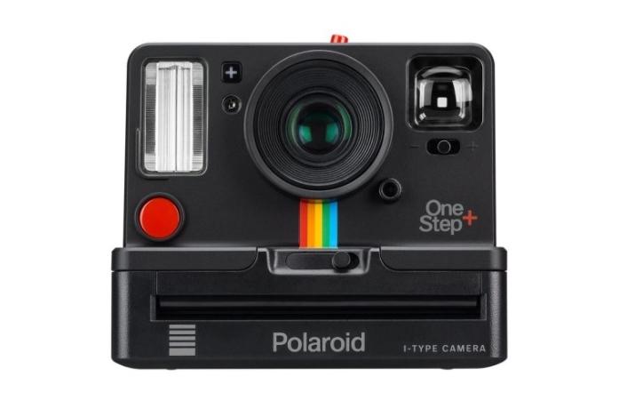 cadouri de craciun pentru parinti aparat foto instant