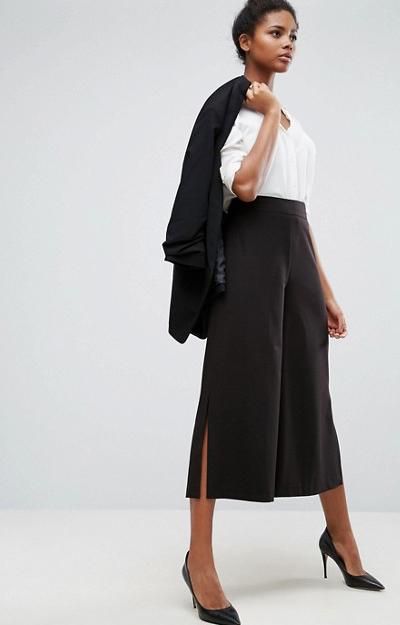 Costumul cu pantaloni culottes cum il porti casual si sport