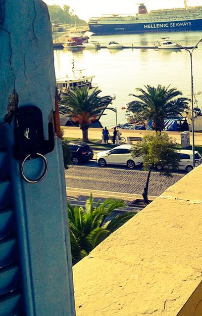 Portul-din-Kavala-ofera-o-priveliste-minunata-si-multe-terase-si-localuri-pescaresti-si-grecesti