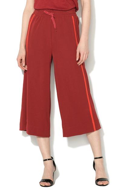 Pantaloni culotte cu design sport