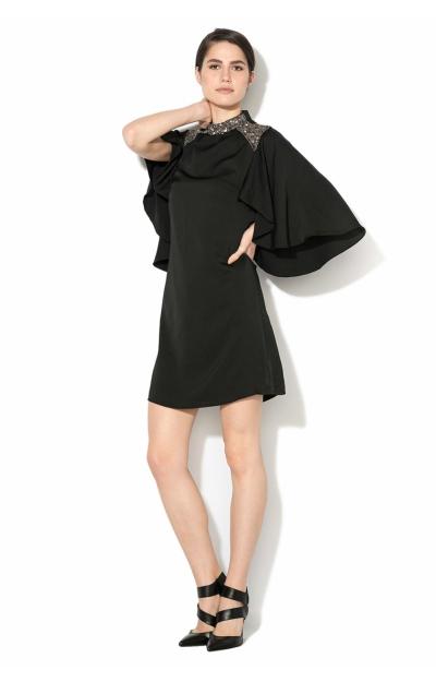 Rochie cu maneci tip capa