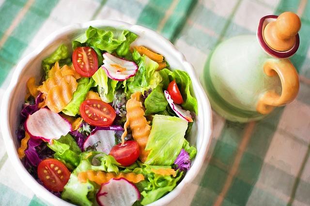 5 Salate dietetice care te slabesc