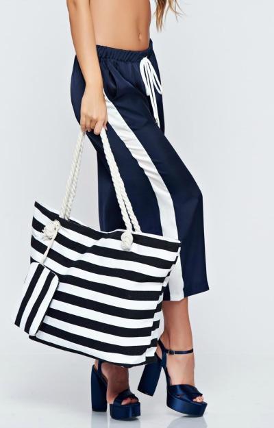 Outfit urban cu pantaloni trei sferturi