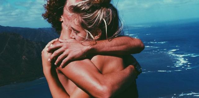 Imagini pentru îmbrățișare erotică