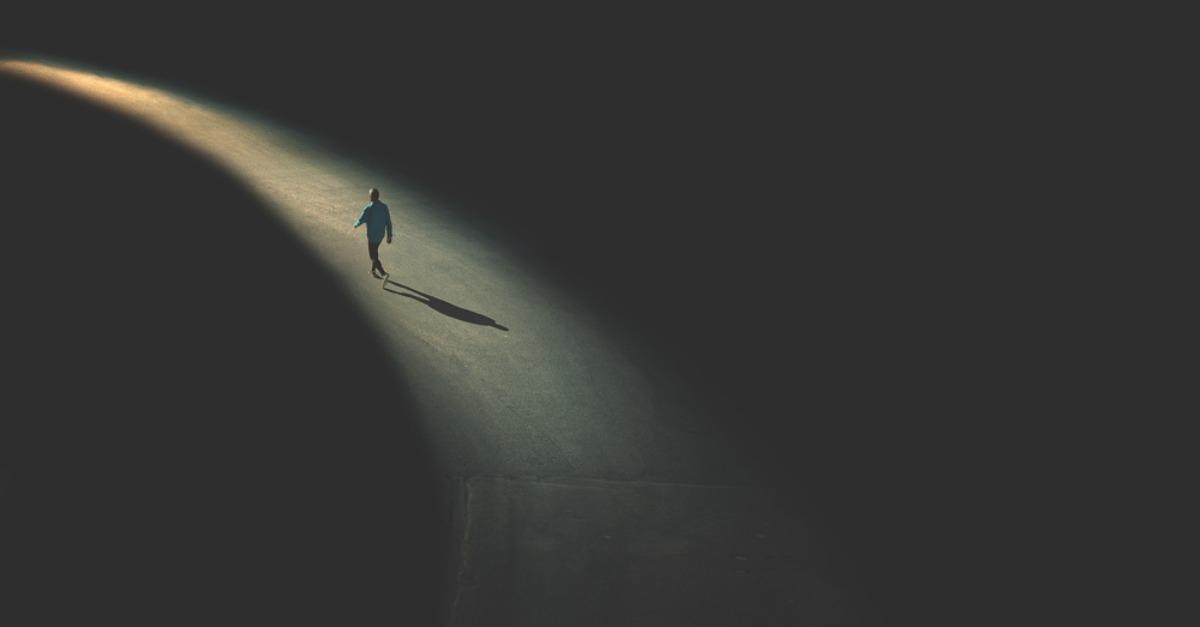 Cinci moduri în care solitudinea te ajută să fii mai puternică