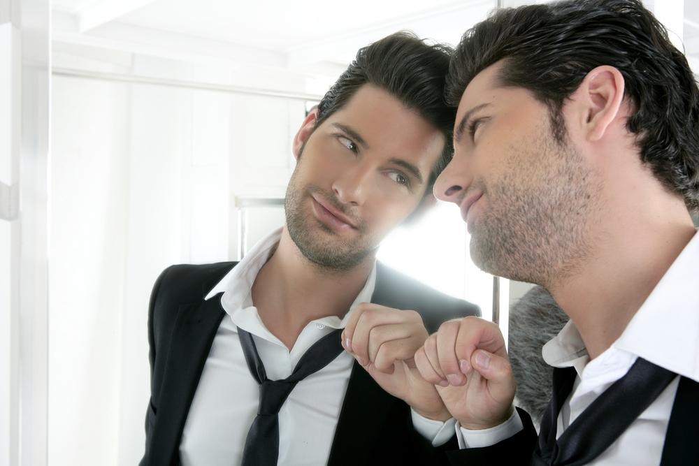 datând un bărbat cu narcisism
